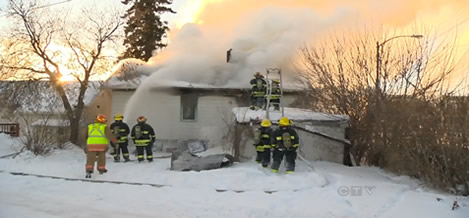 Family of 5 escapes St Vital house fire unharmed